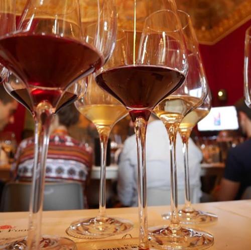 6 причин посетить дегустацию вина