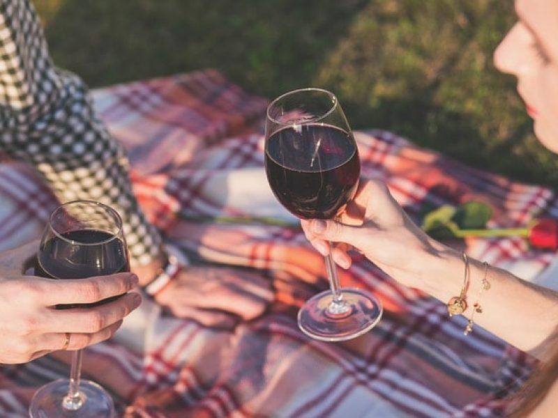 kak-degustirovat-vino-800×600