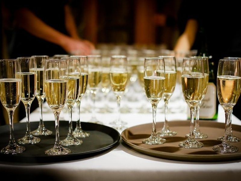 sparkling-wines-champagne-800×600