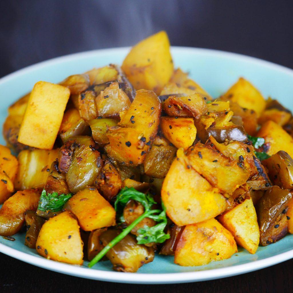 Eggplant Recipe with Potato (Aubergine Roast)